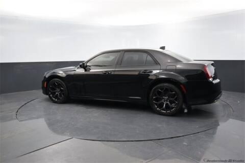 2020 Chrysler 300 for sale at BOB HART CHEVROLET in Vinita OK