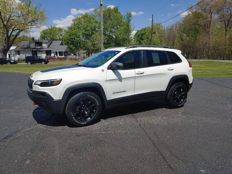 2019 Jeep Cherokee for sale at Depue Auto Sales Inc in Paw Paw MI