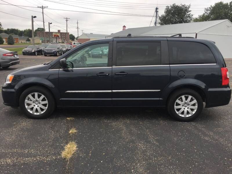 2014 Chrysler Town and Country for sale at Diede's Used Cars in Canistota SD