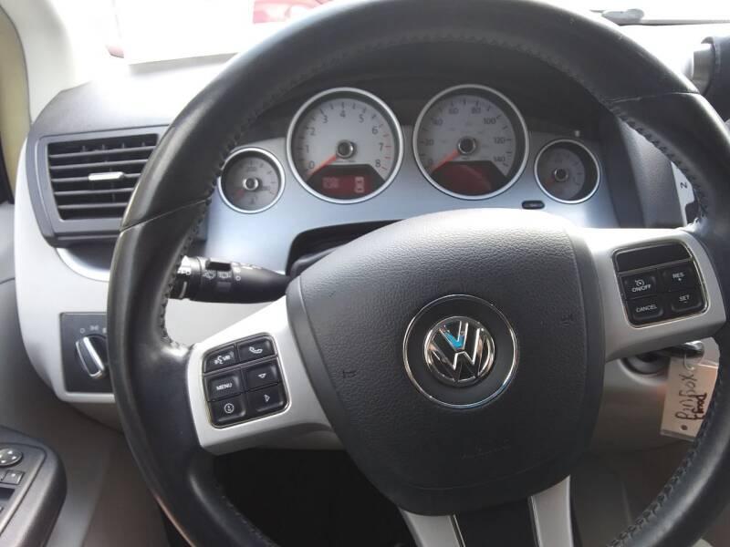 2012 Volkswagen Routan SE 4dr Mini-Van w/ RSE - Pleasant View TN