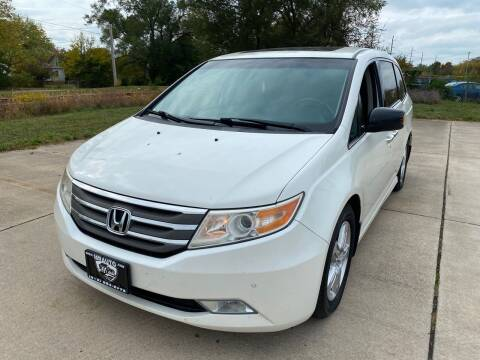 2012 Honda Odyssey for sale at Mr. Auto in Hamilton OH