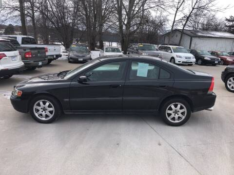 2004 Volvo S60 for sale at 6th Street Auto Sales in Marshalltown IA