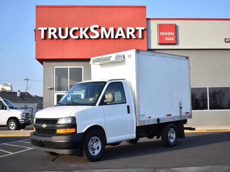 2018 Chevrolet Express Cutaway for sale at Trucksmart Isuzu in Morrisville PA