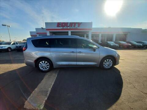 2019 Chrysler Pacifica for sale at EQUITY AUTO CENTER in Phoenix AZ