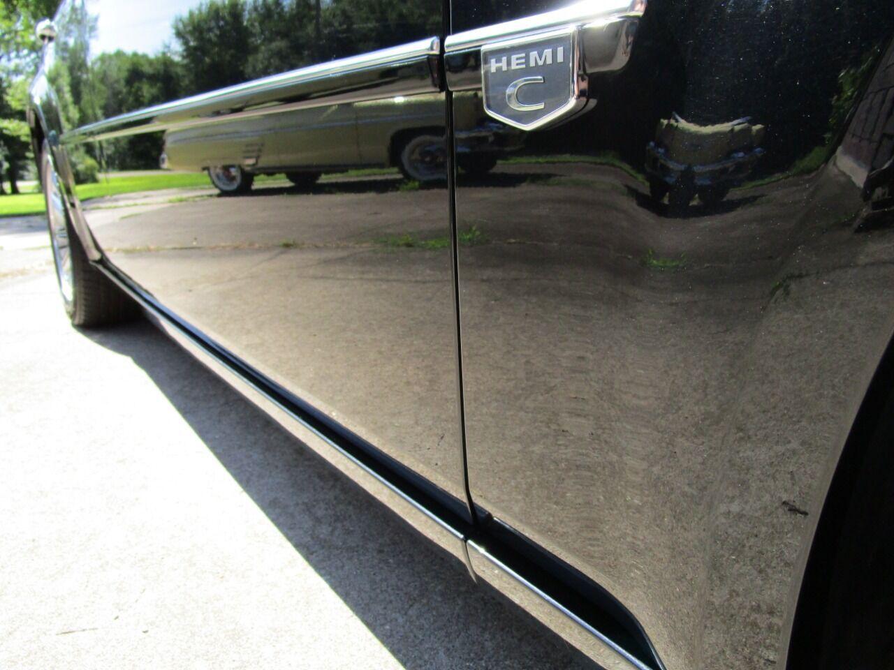 2006 Chrysler 300 9