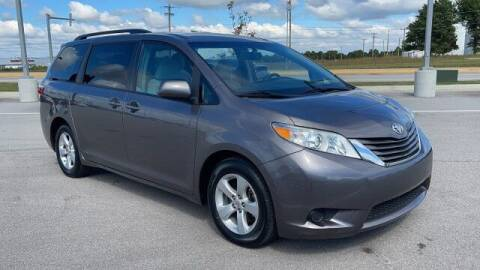 2017 Toyota Sienna for sale at Napleton Autowerks in Springfield MO