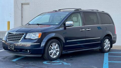 2008 Chrysler Town and Country for sale at Carland Auto Sales INC. in Portsmouth VA