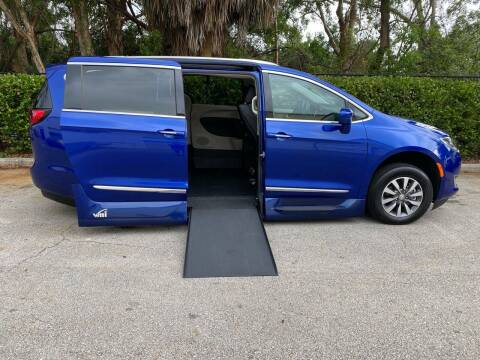 2020 Chrysler Pacifica for sale at DENMARK AUTO BROKERS in Riviera Beach FL
