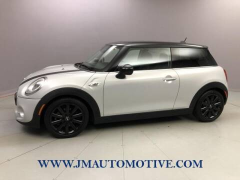 2016 MINI Hardtop 2 Door for sale at J & M Automotive in Naugatuck CT