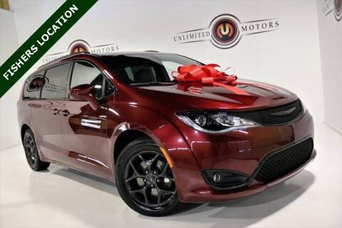 2018 Chrysler Pacifica for sale at Unlimited Motors in Fishers IN