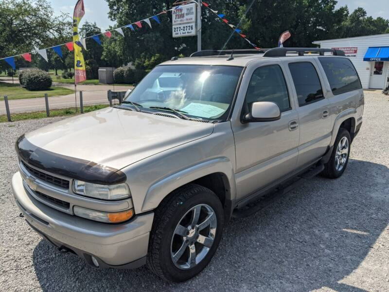 2005 Chevrolet Suburban for sale at AUTO PROS SALES AND SERVICE in Belleville IL