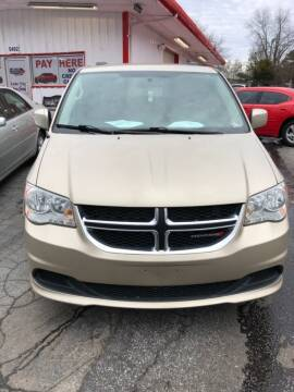 2015 Dodge Grand Caravan for sale at LAKE CITY AUTO SALES - Jonesboro in Morrow GA