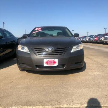 2007 Toyota Camry for sale at UNITED AUTO INC in South Sioux City NE