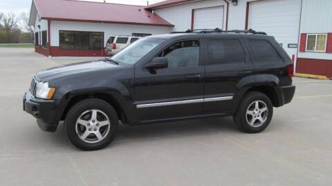 2005 Jeep Grand Cherokee for sale at New Horizons Auto Center in Council Bluffs IA