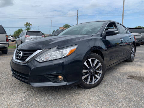 2017 Nissan Altima for sale at Safeway Auto Sales in Horn Lake MS