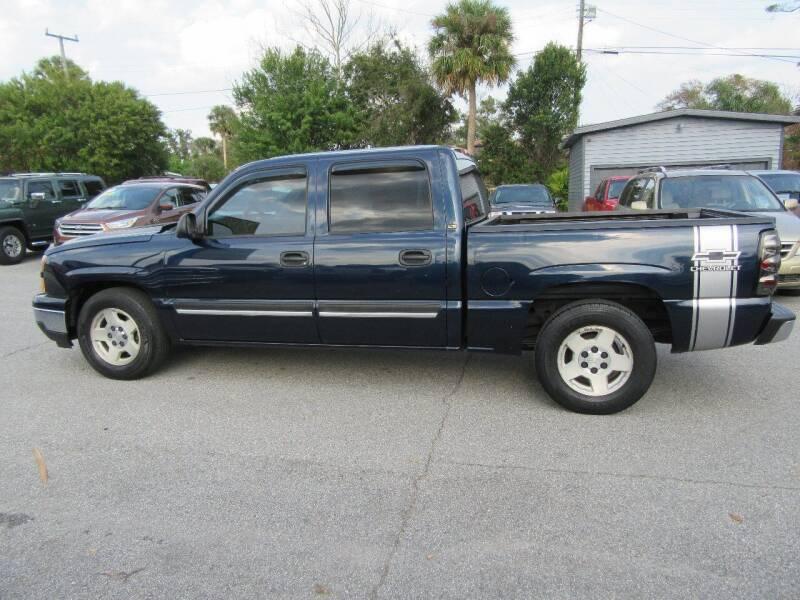 2006 Chevrolet Silverado 1500 for sale at ARENA AUTO SALES,  INC. in Holly Hill FL