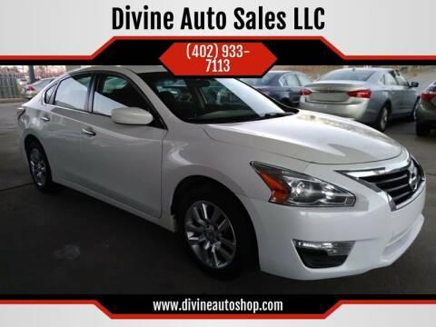 2015 Nissan Altima for sale at Divine Auto Sales LLC in Omaha NE