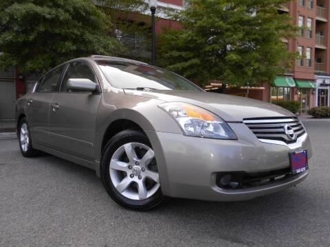 2007 Nissan Altima for sale at H & R Auto in Arlington VA