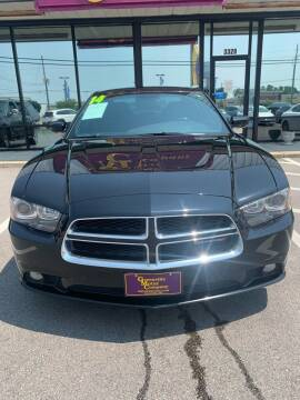 2014 Dodge Charger for sale at Greenville Motor Company in Greenville NC