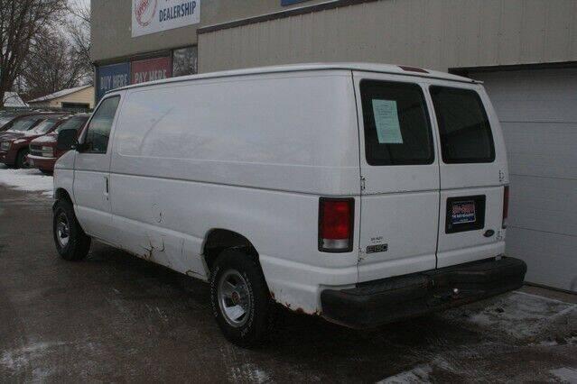 2001 Ford E-Series Cargo E-150 3dr Cargo Van - Clarion IA