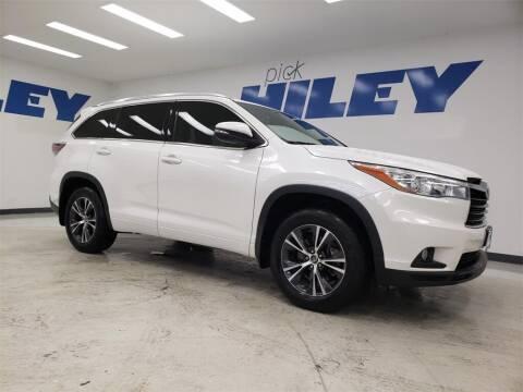 2016 Toyota Highlander for sale at HILEY MAZDA VOLKSWAGEN of ARLINGTON in Arlington TX