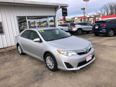 2014 Toyota Camry for sale at ROTMAN MOTOR CO in Maquoketa IA