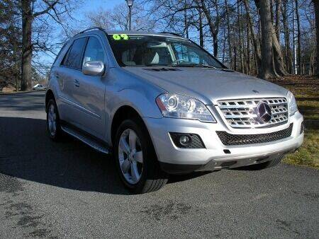2009 Mercedes-Benz M-Class for sale at RICH AUTOMOTIVE Inc in High Point NC