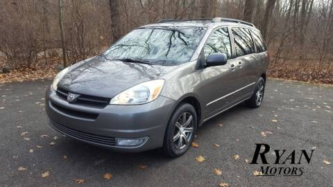 2005 Toyota Sienna for sale at Ryan Motors LLC in Warsaw IN