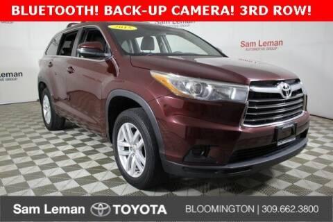 2015 Toyota Highlander for sale at Sam Leman Mazda in Bloomington IL