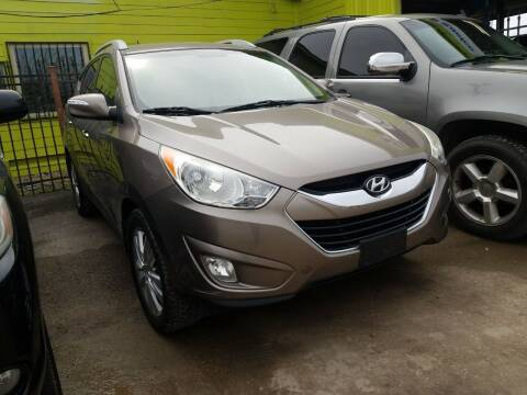 2013 Hyundai Tucson for sale at RODRIGUEZ MOTORS CO. in Houston TX