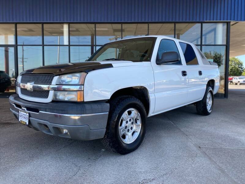 2004 Chevrolet Avalanche for sale at South Commercial Auto Sales in Salem OR