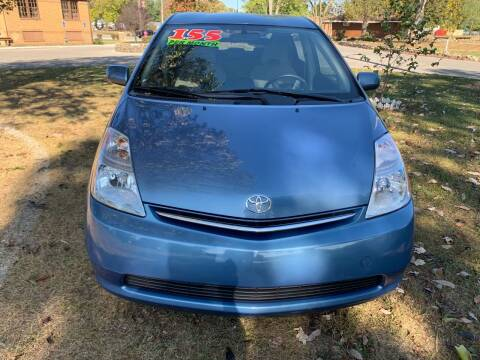 2006 Toyota Prius for sale at Clarks Auto Sales in Connersville IN