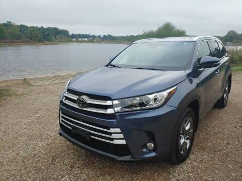 2018 Toyota Highlander for sale at Rombaugh's Auto Sales in Battle Creek MI