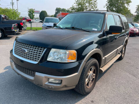 2004 Ford Expedition for sale at Diana Rico LLC in Dalton GA