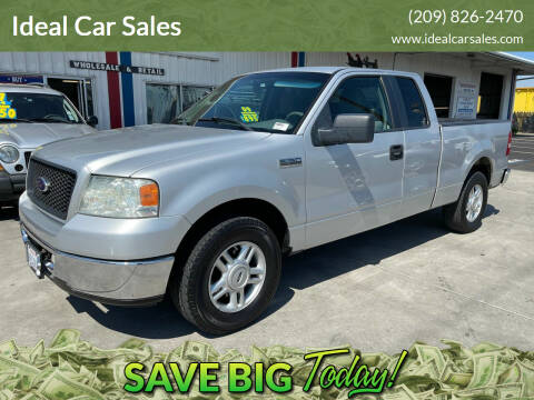 2005 Ford F-150 for sale at Ideal Car Sales in Los Banos CA