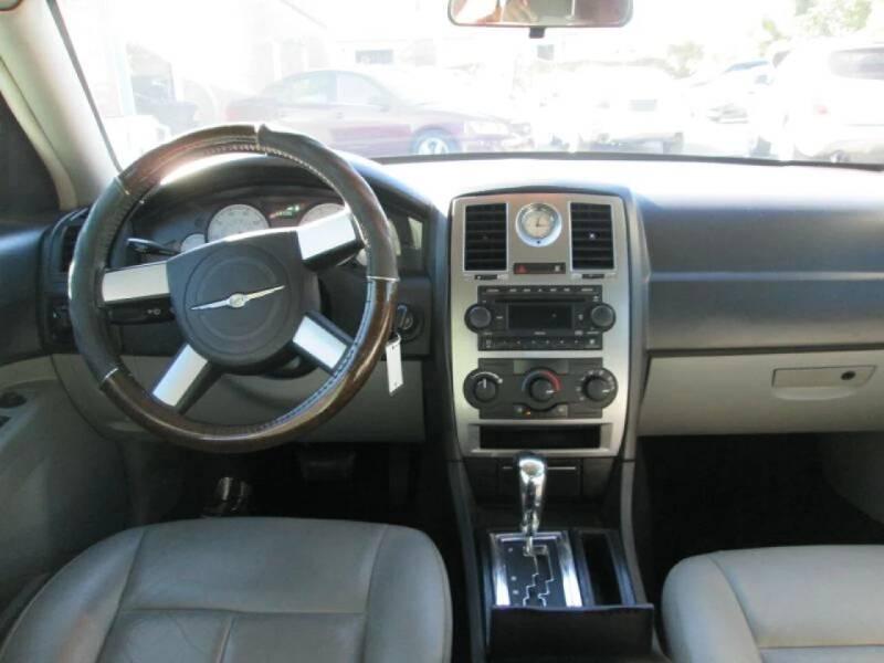 2006 Chrysler 300 Touring 4dr Sedan - Orlando FL