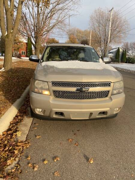 2007 Chevrolet Suburban for sale at Southtown Auto Sales in Albert Lea MN