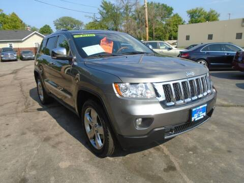 2013 Jeep Grand Cherokee for sale at DISCOVER AUTO SALES in Racine WI