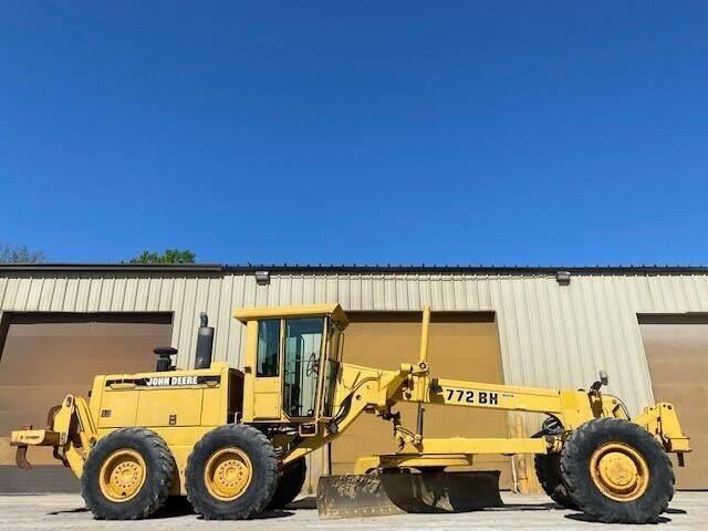 1993 John Deere 772BH for sale at Vehicle Network - Milam's Equipment Sales in Sutherlin VA