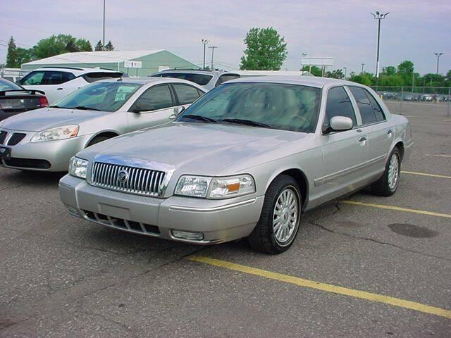 2007 Mercury Grand Marquis for sale at VOA Auto Sales in Pontiac MI