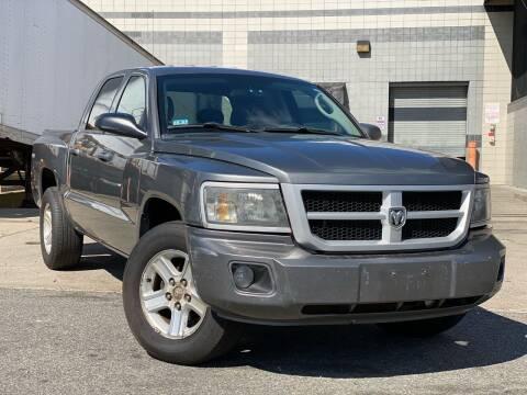 2010 Dodge Dakota for sale at Illinois Auto Sales in Paterson NJ