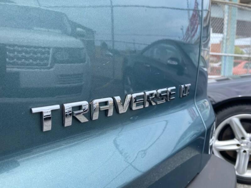 2009 Chevrolet Traverse AWD LT 4dr SUV w/1LT - Philladelphia PA
