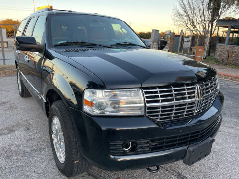 2014 Lincoln Navigator for sale at PRESTIGE AUTOPLEX LLC in Austin TX