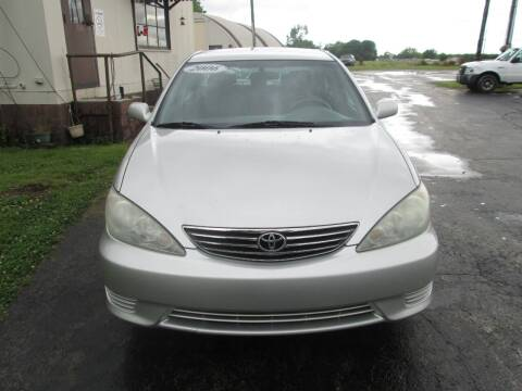 2006 Toyota Camry for sale at Knauff & Sons Motor Sales in New Vienna OH