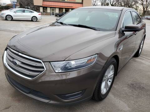 2016 Ford Taurus for sale at THE TRAIN AUTO SALES & LEASING in Mauldin SC