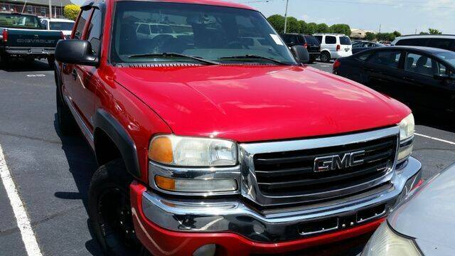 2005 GMC Sierra 1500 for sale at AFFORDABLE DISCOUNT AUTO in Humboldt TN