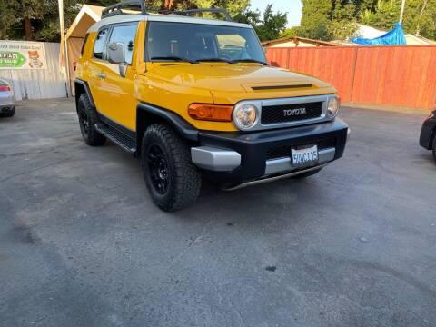 2007 Toyota FJ Cruiser for sale at Ronnie Motors LLC in San Jose CA