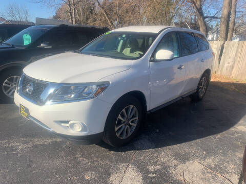 2014 Nissan Pathfinder for sale at PAPERLAND MOTORS in Green Bay WI