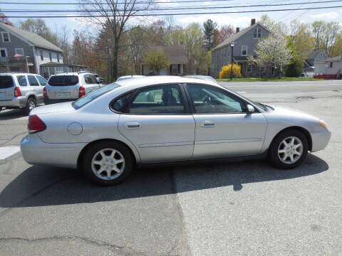 2006 Ford Taurus for sale at THE CAR PLACE INC. in Somersville CT