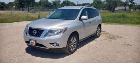 2015 Nissan Pathfinder for sale at LA PULGA DE AUTOS in Dallas TX